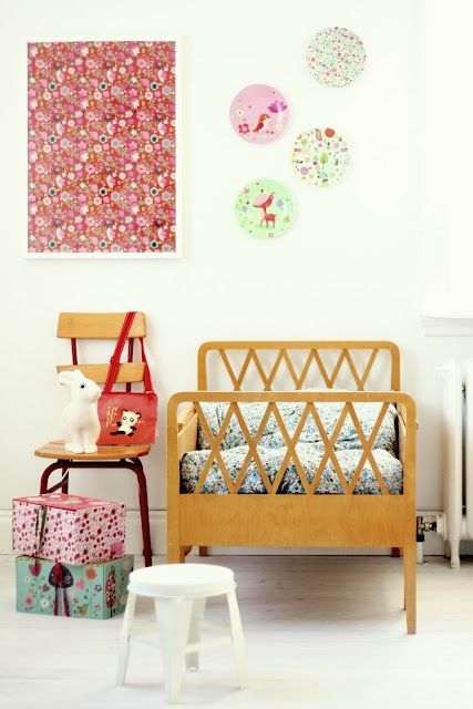 Floral print and geometric pattern from Mokkasin