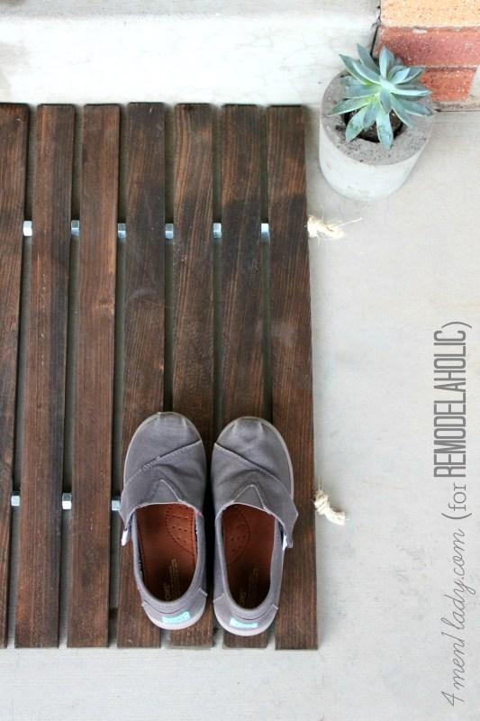 diy wood stake doormat | 4men1lady on Remodelaholic.com