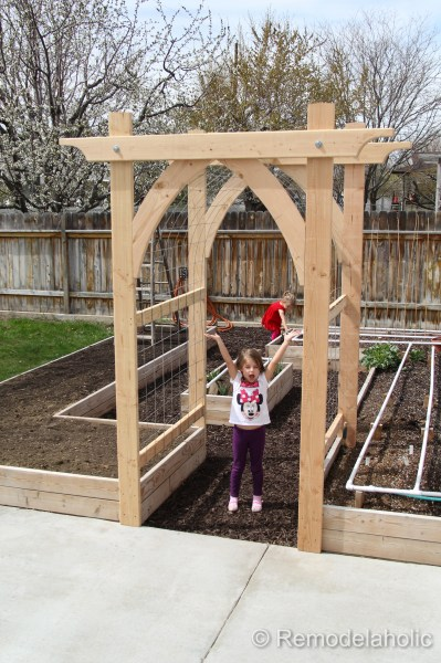 Vegetable Garden Arbor DIY Plans-49