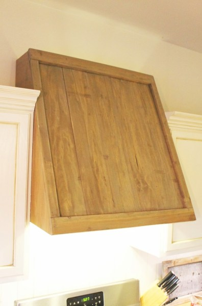 faux reclaimed wood range hood, The Ragged Wren on Remodelaholic