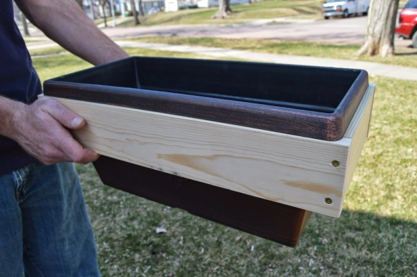 patio table ice box support build to fit planter box, Kruse's Workshop on Remodelaholic