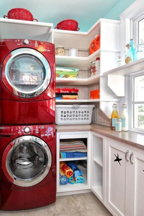 faire avec un petit espace des machines empilées et des ins intégrés présentés sur remodelaholic.com