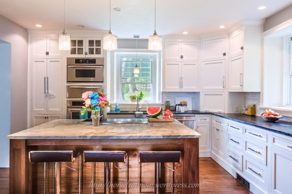 L shaped modern country kitchen layout via Remodelaholic