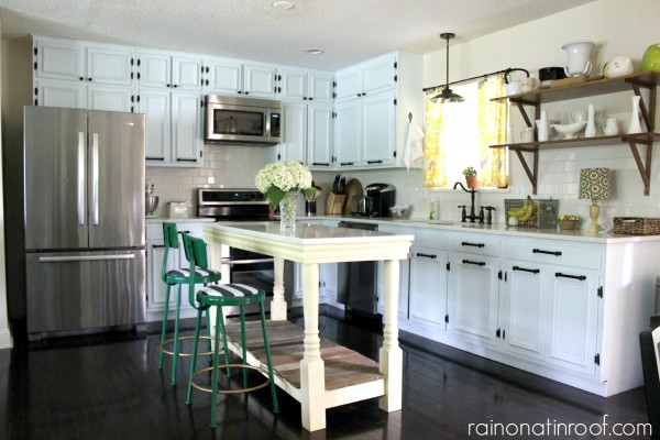 L shaped ranch kitchen with island via Remodelaholic.com