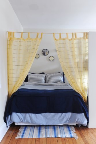curtain-canopy-apartment-therapy
