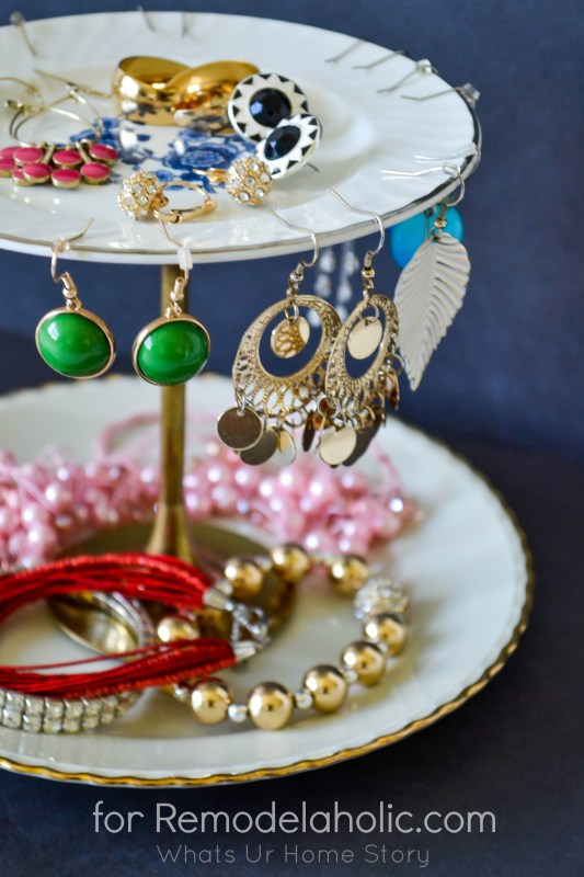 diy jewelry organizer on Remodelaholic.com