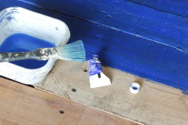flag-blue-paint