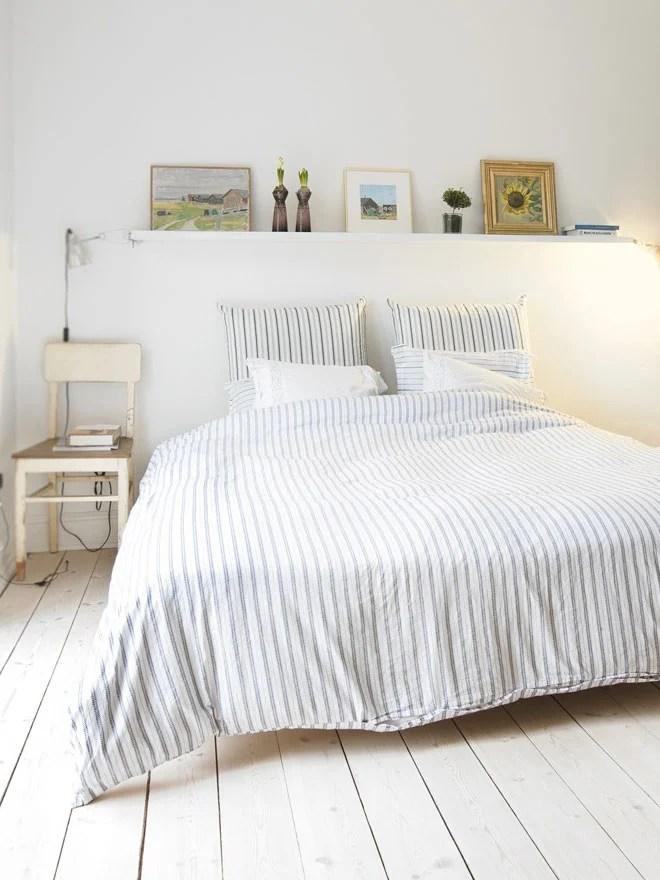 floating-shelf-above-bed-sulia