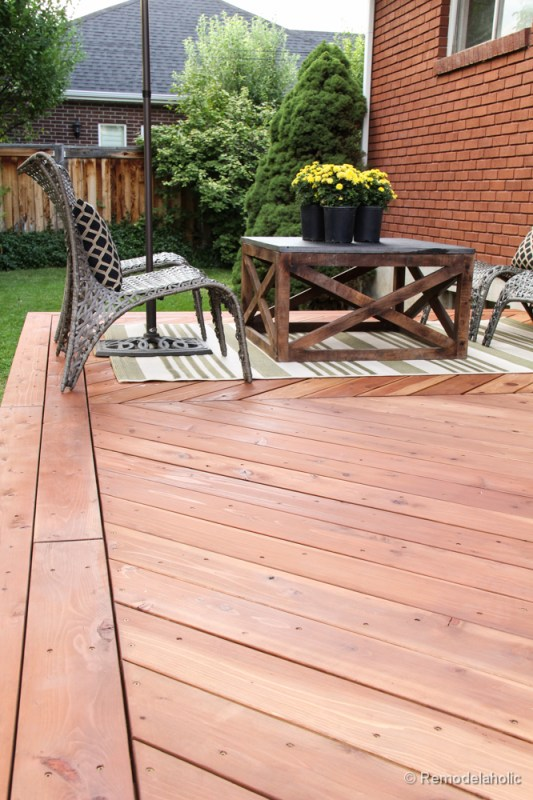 Tips for how to stain a deck @remodelaholic (13 of 15)