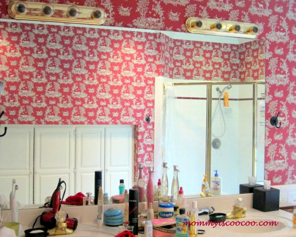 how to remove a large vanity mirror, Mommy is Coocoo on Remodelaholic