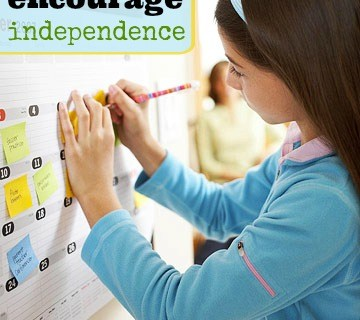 How to encourage independence in your children ~ Tipsaholic.com #independentkids