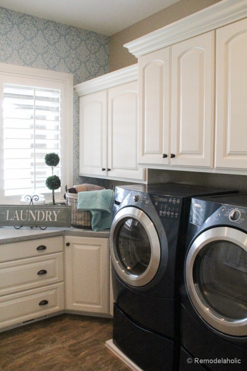Fabulous Laundry room design ideas from @Remodelaholic (30 of 103)