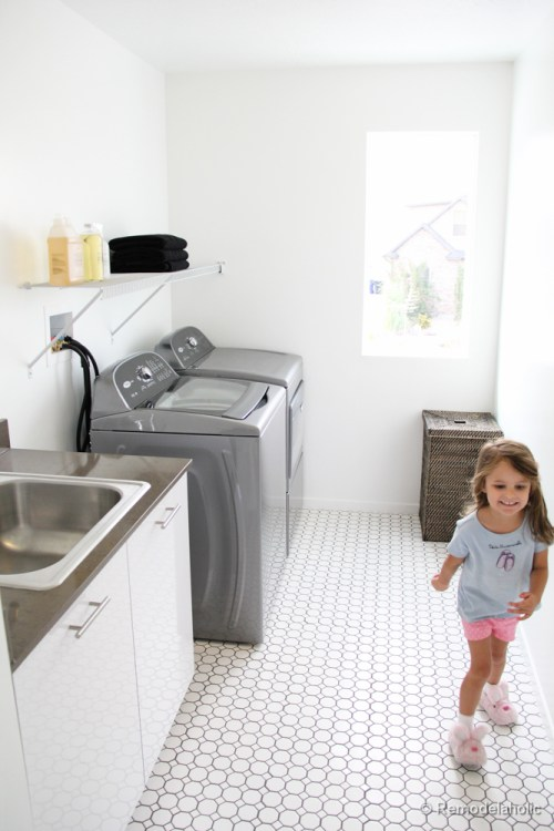 Fabulous Laundry room design ideas from @Remodelaholic (56 of 103)