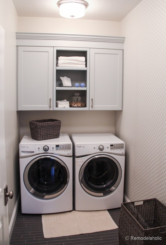 Fabulous Laundry room design ideas from @Remodelaholic, simple small and functional laundry room featured on Remodelaholic.com