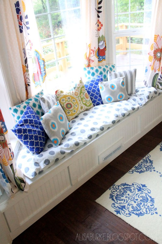 Alisa Burke - bay window seat with storage via @Remodelaholic