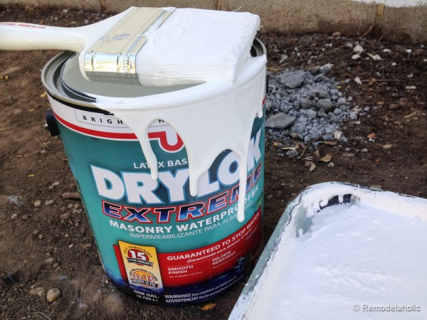 Painting a Cinder block fence @Remodelaholic (11 of 23)