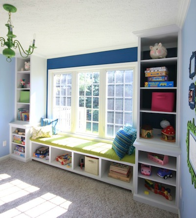 Sawdust Girl - built in window seat bench with bookshelves via @Remodelaholic