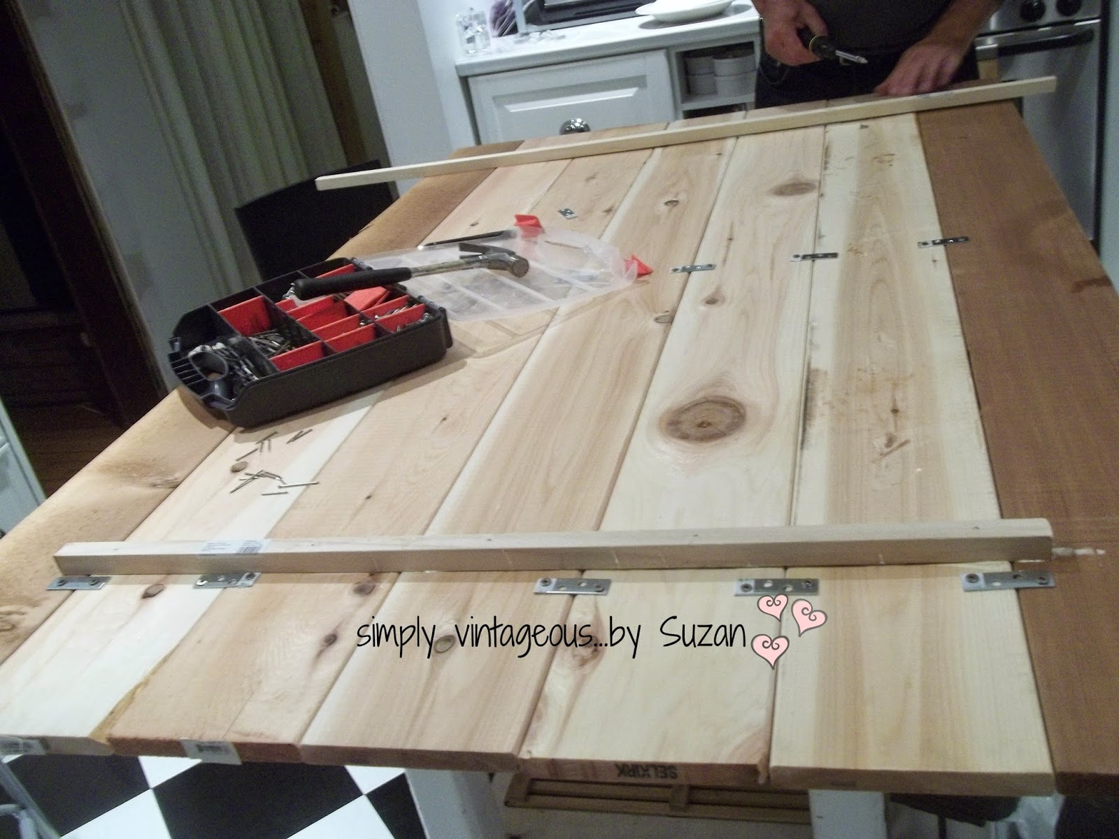 Remodelaholic  22 WoodInspired DIY Projects  October