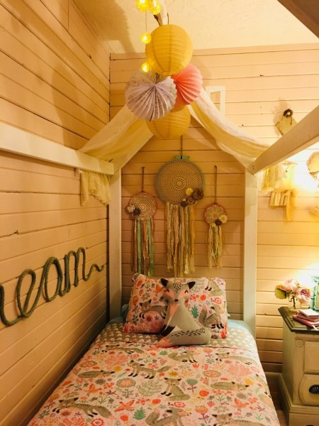 Diy House Bed By Reader Alisha 2 @Remodelaholic