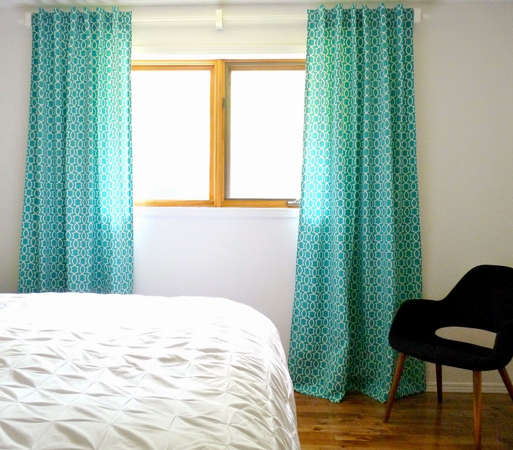 Make Your Own Back Tab Curtains Dans Le Lakehouse On Remodelaholic