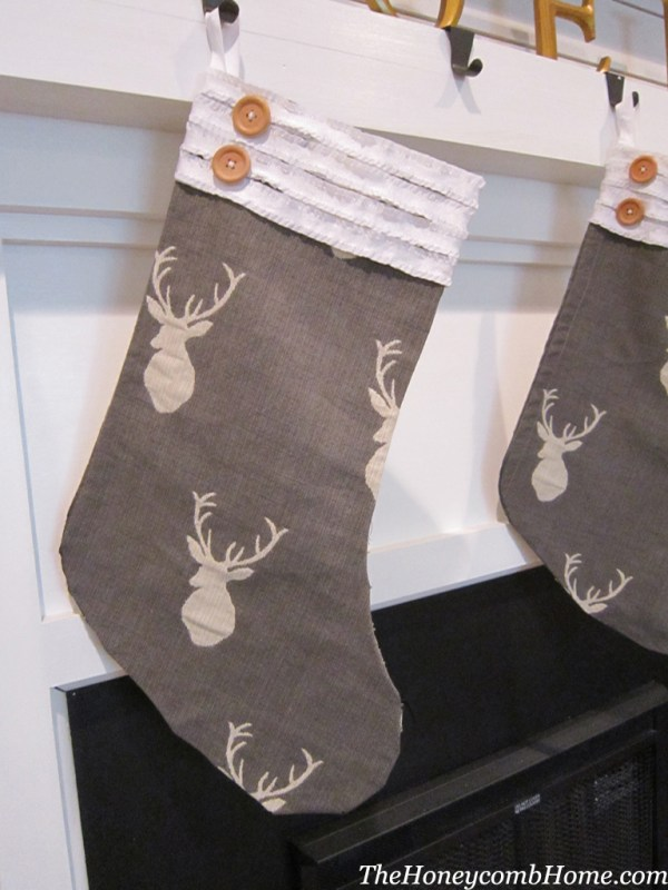DIY no sew stockings for Christmas - The Honeycomb Home on @Remodelaholic