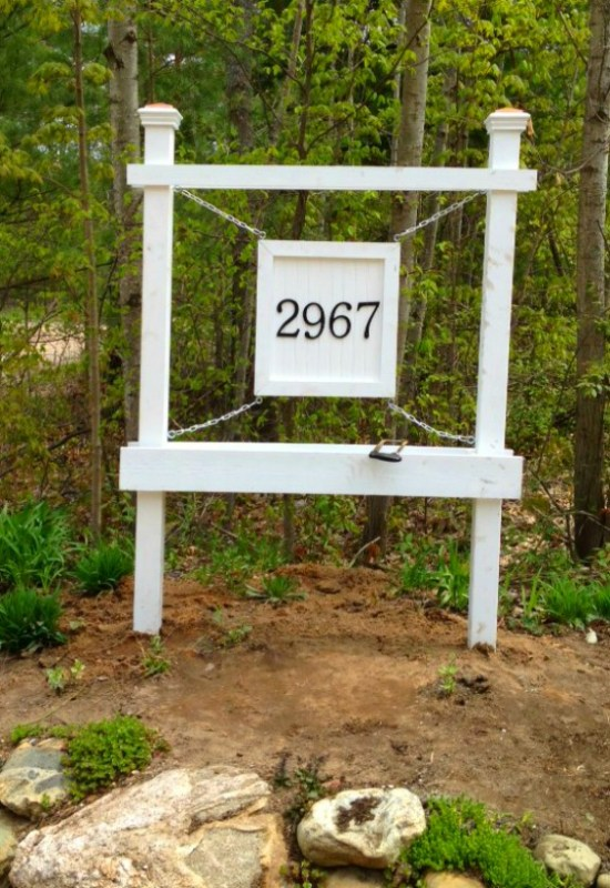 finished entrance house number sign with planter box - Second Chance to Dream featured on @Remodelaholic