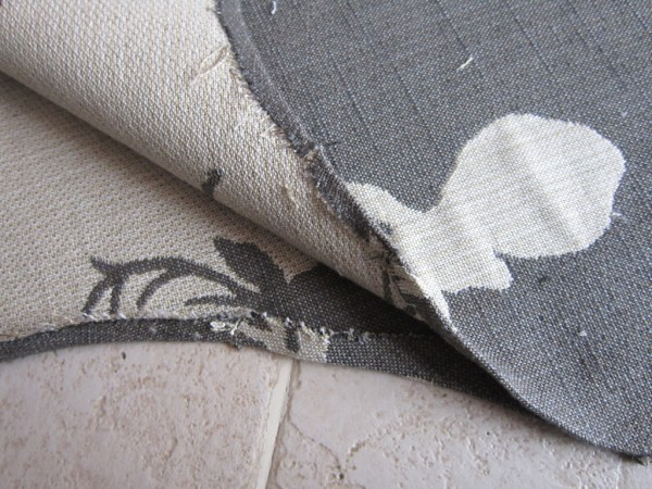 how to hem a stocking without sewing - The Honeycomb Home on @Remodelaholic