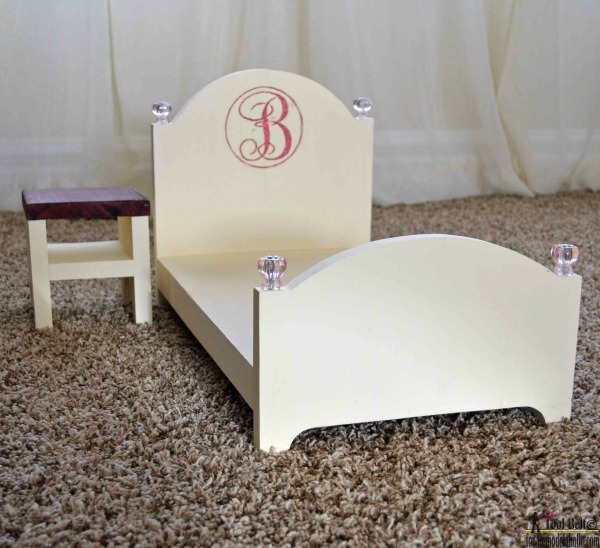 Make A Doll Bed For 18 Inch Dolls, One Board Building Project, Beginner Woodworking Plan And Template #remodelaholic