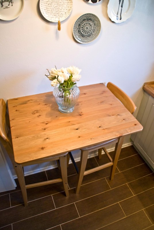 small kitchen breakfast table - Pudel-design featured on @Remodelaholic