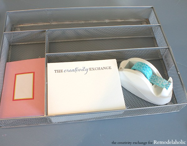 Quick tricks for organizing a desk.  Remodelaholic