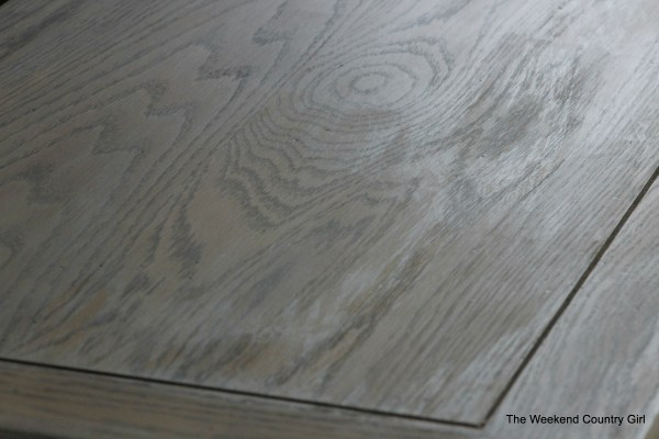 Create a rustic look with wood stain 02 by The Weekend Country Girl on @Remodelaholic