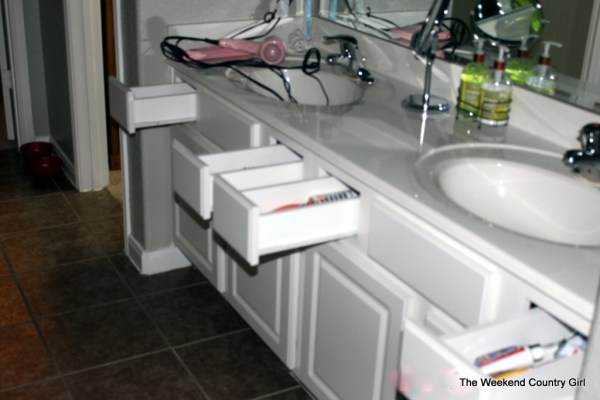 Bathroom makeover 02 by The Weekend Country Girl featured on @Remodelaholic