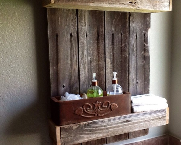 How to use weathered wood to create a rustic shelf by The Weekend Country Girl featured on @Remodelaholic