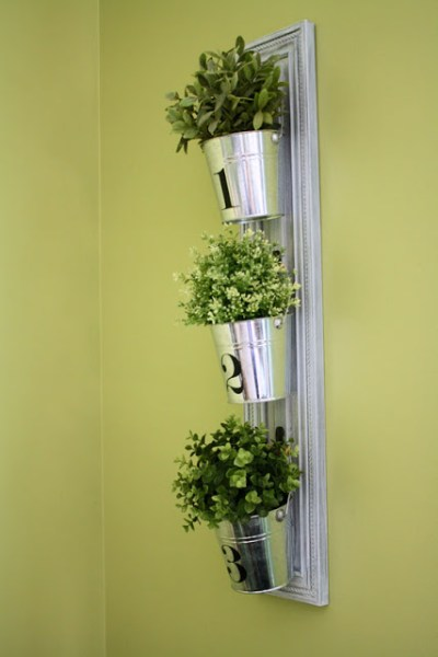 hanging-buckets-room-6-design