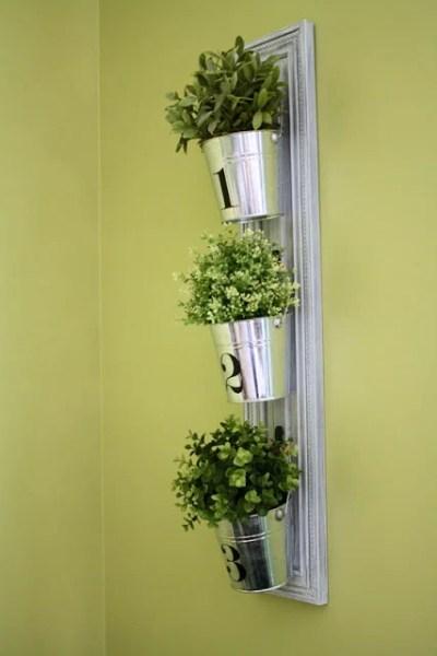 hanging-buckets-room-6-design