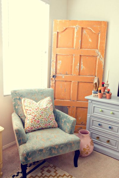 orange-door-decor-design-sponge
