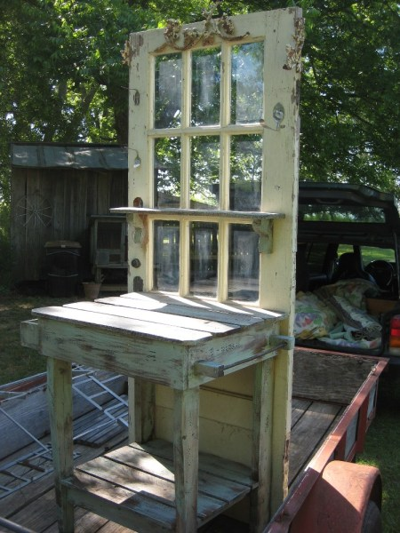 potting-table-cottage-and-cabin