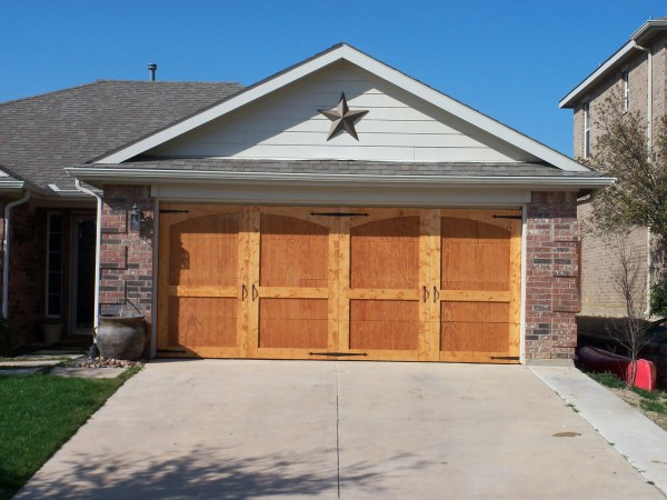 Remodelaholic 8 diy garage door updates for Wood veneer garage doors
