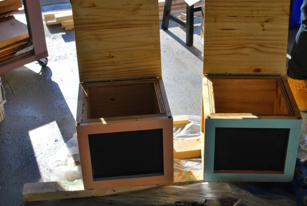 Building Block Seats with Chalkboard Sides by ToolBox Divas for Remodelaholic