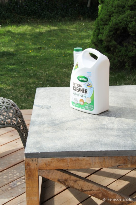 Cleaning with Scotts Outdoor Oxiclean cleaner (7 of 30)