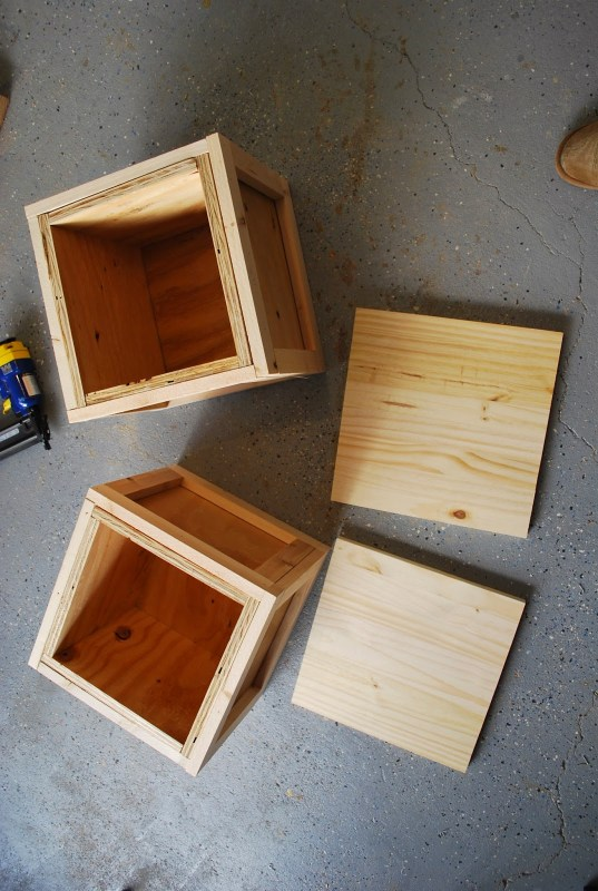 DIY Building Block Seats for Playtable by ToolBox Divas for Remodelaholic