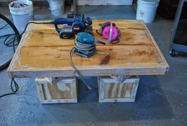 How to Build a Childrens Playtable by ToolBox Divas for Remodelaholic