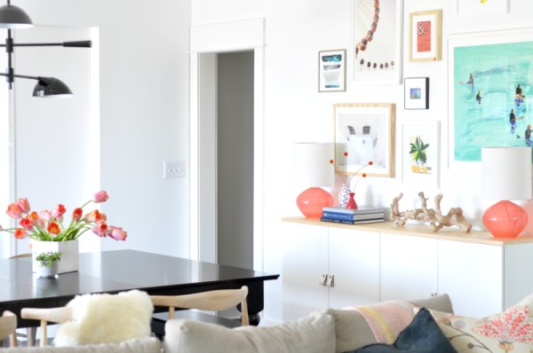 How to Create a Balanced Gallery Wall by House Updated featured on Remodelaholic