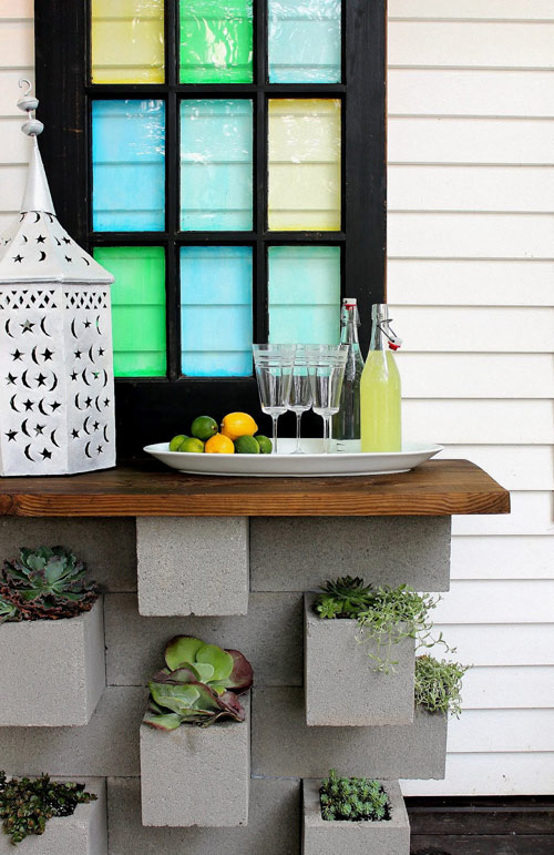 diy cinderblock planter bar
