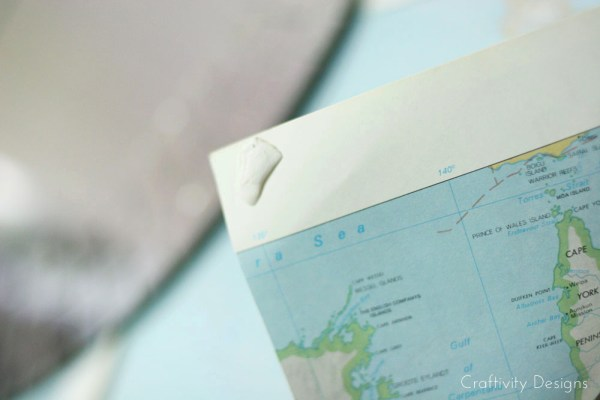 Renter Friendly Map Wall with No Tacks Required by Craftivity Designs for Remodelaholic