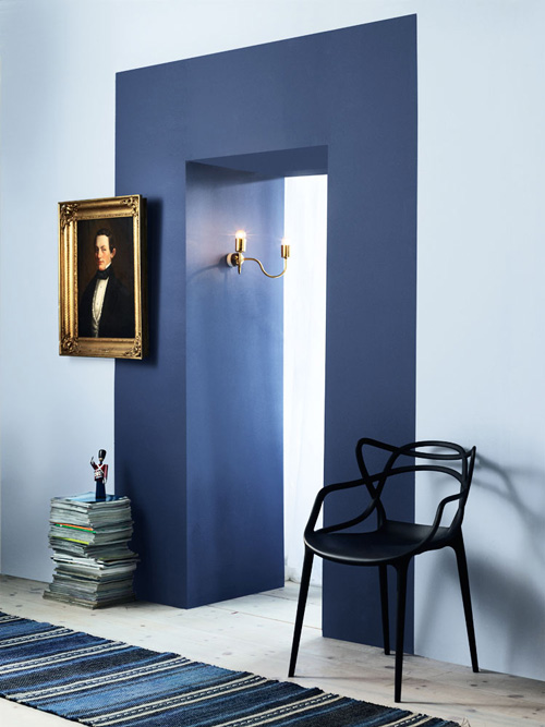 dark navy door frame colorblocked (via Desire to Inspire)
