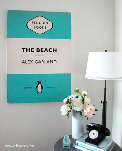 Large Wall Decor DIY Ideas: diy painted book cover wall art (Lisa Roy)