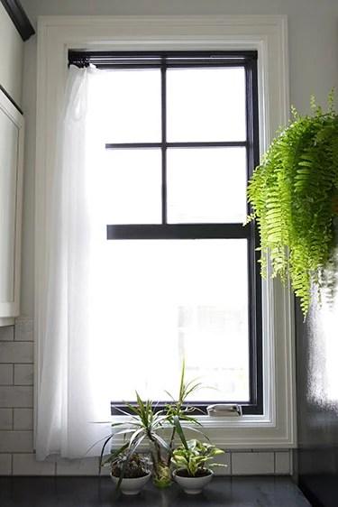 how-to paint black windows (Sarah's Big Idea)