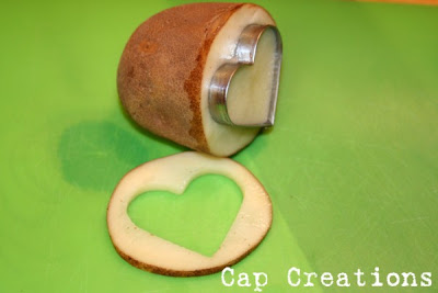 use a cookie cutter for a potato stamp (capscreations)