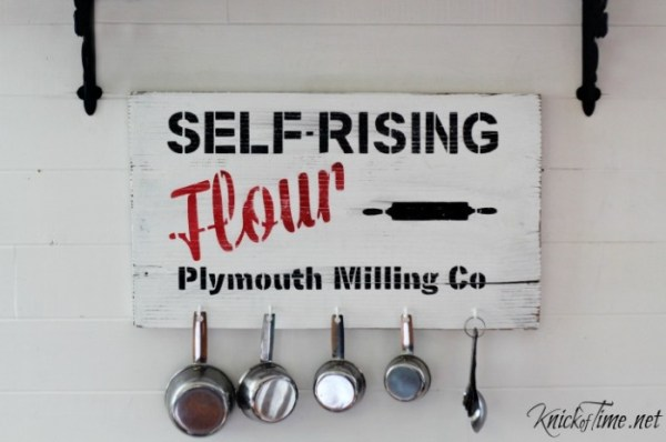 DIY wall art - vintage kitchen sign and measuring cup organizer Knick of Time